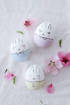 Süße Hasen-Ostereier bemalen crafts for kids to make easter Bunny Easter Eggs DIY Pinterest Easter Ideas, Kids Crafts, Diy And Crafts, Craft Kids, Wood Crafts, Easter Egg Designs, Easter Egg Crafts, Diy Ostern, Hoppy Easter