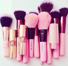 MAC Pink Cosmetic brushes -$3.9 for Black Friday And Christmas Gift now.