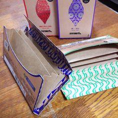 オシャレな明治ザチョコレートのパッケージ。捨てるのは、もったいないですよね!ちょこっとDIYすれば、お気に入りのアイテムに生まれ変わるかもしれません。(*^-^*) (3ページ目)