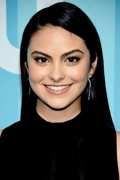 'Riverdale' Cast Attends Upfronts After Shocking Season Finale Camila Mendes Age, Camila Mendes Style, Camila Mendes Veronica Lodge, Camila Mendes Riverdale, Camilla Mendes, Divas, Riverdale Cast, Beautiful Actresses, Her Hair