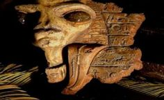 """Alien and UFO circles are abuzz with claims of remarkable ancient Egyptian artifacts discovered in the former Jerusalem home of the famous Egyptologist Sir William Petrie, items that """"could rewrite ancient Egyptian history"""" and indeed … Ancient Aliens, Aliens And Ufos, Ancient History, Alien Artifacts, Ancient Egyptian Artifacts, Unexplained Mysteries, Ancient Mysteries, Alien Origin, Gizeh"""
