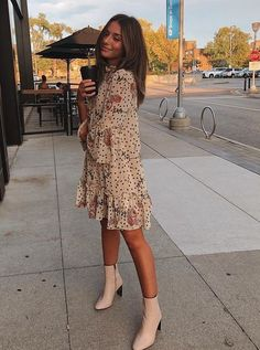 Pretty floral print dress with trendy white boots. Pretty floral print dress with trendy white boots. Pretty flora… Pretty floral print dress with trendy white boots. Pretty floral print dress with trendy white boots. Fashion 2020, Look Fashion, Fashion Clothes, Winter Fashion, Fashion Outfits, 70s Fashion, Korean Fashion, Fashion Ideas, Fashion Apps