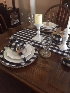 Black Lanterns Amp Buffalo Check Tablescape Tablescapes