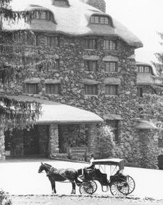 Vintage photo of Entrance to the Grove Park Inn