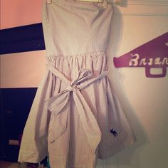 ambercrombie and fitch dress sooo comfortable, has a cute bow on it! Abercrombie & Fitch Dresses