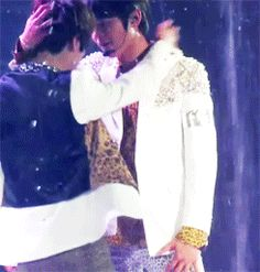 2MIN WOAH !! JUST KISS #2min #Minho #Taemin