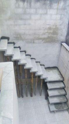Home Stairs Design, Door Design, House Design, Showroom Interior Design, Home Ceiling, House Stairs, Ceiling Design, My Dream Home, Kitchen Design
