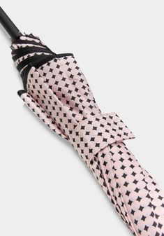 Pañuelo Gloves, Fashion, Fashion Styles, Mittens, Fashion Illustrations, Trendy Fashion, Moda