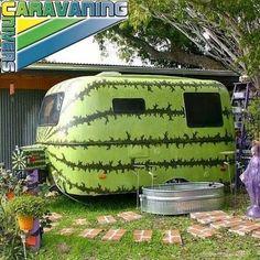 Un camping car assez original pour cet été! #campingcar #caravane #original #vert #ete #camping #home #desingcamping #travel  Vos accessoires de camping car sont disponibles sur http://caravaning-univers.com/