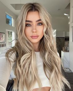 Blond Ombre, Blonde Hair Looks, Hair Color For Women, Hair Color Highlights, Permed Hairstyles, Big Hair, Balayage Hair, Hair Trends, Dyed Hair