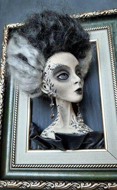 Halloween Dinner, Halloween Doll, Halloween Projects, Diy Halloween Decorations, Halloween 2020, Holidays Halloween, Halloween Drawings, Macabre Decor, Horror Decor