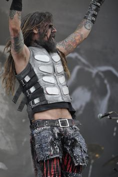 Rob Zombie... Musician and a damn good director!!!
