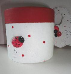 golosineros, carameleras, alcancias souvenirs infantiles , Pasta Flexible, Clay Projects, Ladybug, Decoupage, Snoopy, Mugs, San Antonio, Tableware, Party