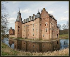 https://flic.kr/p/9wsEFe | Kasteel Doorwerth / Doorwerth Castle | Doorwerth - the Netherlands
