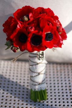 love the romantic look of this bouquet Red Bouquet Wedding, Bride Bouquets, Bridesmaid Bouquet, Red Wedding, Red Anemone, Anemone Bouquet, Ranunculus, Bridal Flowers, Love Flowers