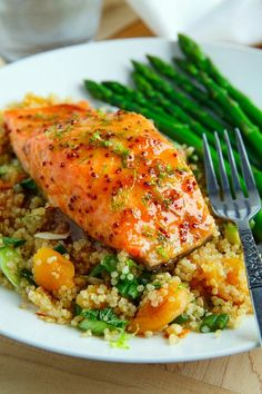 Dijon glazed apricot salmon ~ baked salmon in a glaze of apricot dijon with ginger … – Taste – Foil Pack Recipes Salmon Recipes, Fish Recipes, Seafood Recipes, Gourmet Recipes, Cooking Recipes, Healthy Recipes, Salmon Dishes, Fish Dishes, Gluten Free Recipes