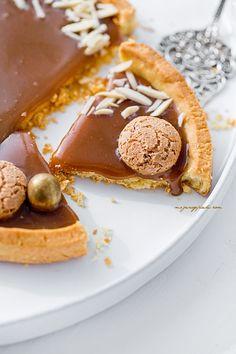 Shortcrust Tart (Mazurek) with homemade dulce de leche, amaretti and slivered almonds