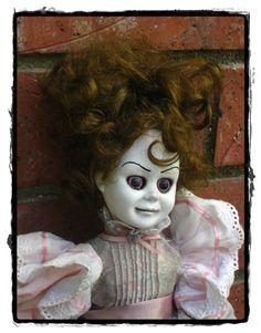 ...Lost in Lalaland...: Creepy Dolls