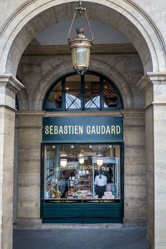 Opened since November 2014, this is a gem to enjoy just opposite the Tuileries gardens. Pâtisserie - Salon de Thé • Sébastien Gaudard April 2015 - they've just been voted with the best Croque Monsieur from the Figaro newspaper!