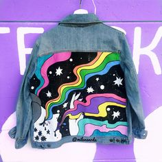 Painted Denim Jacket, Painted Jeans, Painted Clothes, Diy Clothing, Custom Clothes, Denim Art, Mode Style, Pulls, Aesthetic Clothes