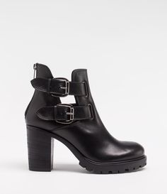 Biker-Boot mit Profilsohle und Blockabsatz #poilei #black #boots
