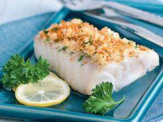 Recept na: Treska v bylinkové krustě. Kvaření potřebujete především filety z tresky, strouhanky, jemně strouhaného parmezánu, strouhané kůry z ½ citronu. Příprava pokrmu vám zabere 20 minut. Sushi, Ethnic Recipes, Sushi Rolls