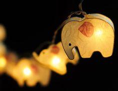 Éléphant neuf ELECTRIQUE Lanterne en papier  Il sagit dune décoration légère belle chaîne en fil et papier mûrier. Il est recommandé dutiliser en