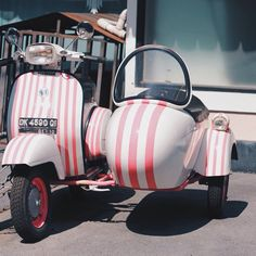 Let's take a ride? #ride #vespa #classic #bali #indonesia #vscocam #wanderlust #freefloaters
