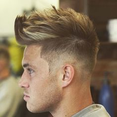 You may be looking for new cool hairstyles and haircuts to try in The last few years have seen a resurgence of modern variations of retro hairstyles, including creative versions of the fade, quiff, pompadour and disconnected undercut. Cool Hairstyles For Boys, Older Mens Hairstyles, Cool Boys Haircuts, Classic Hairstyles, Retro Hairstyles, Hairstyles Haircuts, Haircuts For Men, Short Haircuts, Pelo Popular