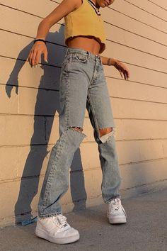 outfits / outfits _ outfits for school _ outfits with leggings _ outfits with air force ones _ outfits aesthetic _ outfits casuales _ outfits for summer _ outfits with sweatpants Aesthetic Fashion, Aesthetic Clothes, Look Fashion, Teen Fashion, Fashion Outfits, Aesthetic Outfit, Winter Fashion, Fashion In The 90s, Fashion Tips