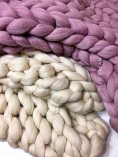 Плед крупной вязки из толстой пряжи, 100% меринос, цвет натуральный, 130х170см в магазине «PLED_DREAM» на Ламбада-маркете