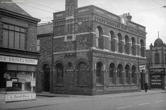 Take a trip back in time with our pictures of lost Manchester pubs from the past century