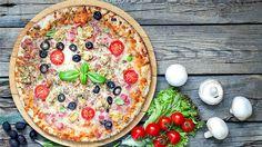 A pizzát szinte mindenki imádja, és nagyon sokan otthon is megpróbálták már kedvenc pizzájuk tésztáját reprodukálni – több-kevesebb sikerrel. De milyen az igazi olasz pizzatészta? Íme a recept.