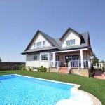 Casa canadiense con piscina