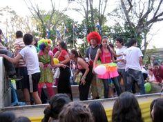 Party vor der Municipalidad zu Villarrica