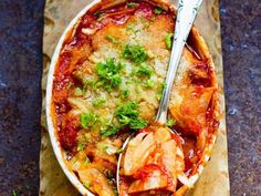 Fenchel-Tomaten-Gratin mit Käse überbacken ist ein Rezept mit frischen Zutaten aus der Kategorie Fruchtgemüse. Probieren Sie dieses und weitere Rezepte von EAT SMARTER!