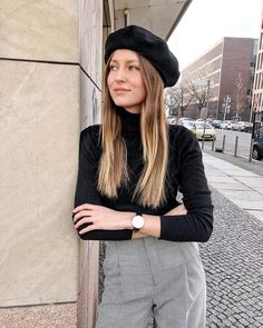 Beret hat, turtleneck, plaid pants, trousers, outfit, French, Parisian, chic, Berlin, street style, inspiration, Livia Auer http://liketk.it/2uKYe