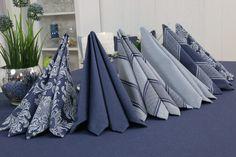 Lotuseffekt bei Tischdecken? Ja! gibt es!  Schauen Sie sich unsere Fleckschutz- Tischdecken an.
