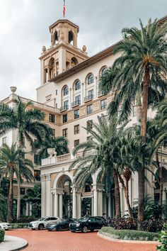 The Breakers Palm Beach is one of the most quintessential buildings in Palm Beach Florida. If youre looking for the best place to stay and the best things to do in Palm Beach youll love my Palm Beach guide! Breakers Palm Beach, The Breakers, West Palm Beach Florida, Florida Beaches, Clearwater Florida, Sarasota Florida, Palm Springs Florida, Tropical Beaches, Miami