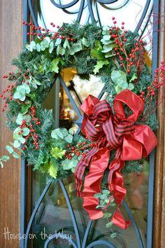 www.celebrationking.com - Check out some tremendous Christmas decorations!