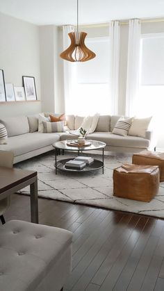 Small Living Rooms, Living Room Modern, Home Living Room, Minimal Living, Cozy Living, Modern Minimalist Living Room, Living Room White Walls, Small Living Room Designs, White Room Decor