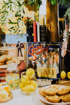 A Yellow Retro Party At UoVo - The Wedding Notebook magazine Wedding Notebook, Hippie Culture, Retro Party, Vintage Theme, The Good Old Days, Party Themes, Table Decorations, Yellow, Birthday
