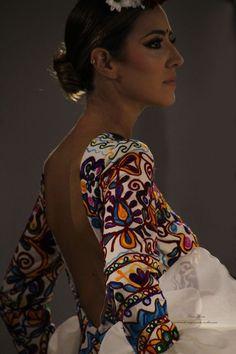 India, Hijab Fashion, Flower Power, Makeup Looks, Kimono Top, Vintage Fashion, Sari, Bohemian, Couture