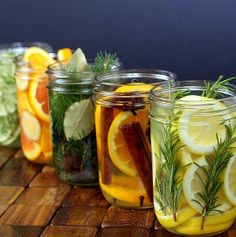 Again with the colors of citrus and natural materials. I also like original idea behind this post - natural room scents! _ DIY Natural Room Scents (this is such a great idea! Pot Mason, Mason Jars, Room Scents, Pot Pourri, Ideias Diy, House Smells, Do It Yourself Home, Natural Cleaning Products, Household Products