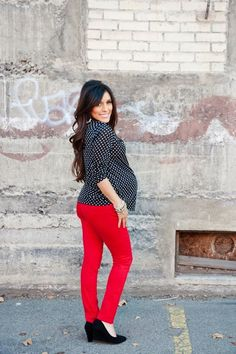 Maternity style: Polka dots and red colored jeans! More styling tips at Mychicbump.com