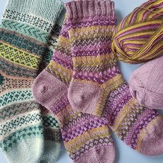 Just have to share! These gorgeous colourwork socks that uses a ball of self stripe and a ball of plain.  Pattern by @newleafdesigns.nl and the yarn for the right hand pair is @westyorkshirespinners  so so gorgeous! From our shop account: @AUshopUK follow us for more fun peeks into our shop near Bristol UK. https://ift.tt/1SPuuxi We're the wool shop in Cleeve with the big sheep mural on the A370.