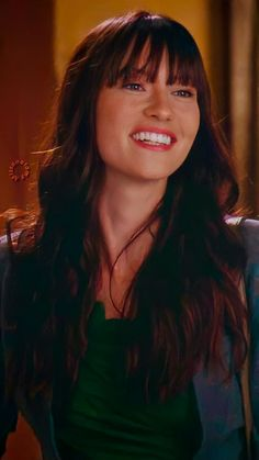 Lexie Grey, Grey's Anatomy Lexie, Greys Anatomy, Chyler Leigh, Kate Walsh, Grey Wallpaper, Profile Pics, Female Characters, Girl Power