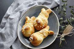 Hefegebäck zu Ostern – Osterhase Recipes, Food, Baking Cookies, Homemade, Food Food, Rezepte, Food Recipes, Meals, Recipies