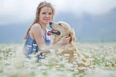 Dog Fun with Young Girl Viral Doggy Video By Animal Tube Fall Photos, Dog Photos, Girl Photography, Animal Photography, Popular Dog Names, Puppy Names, Dog Portraits, Beautiful Dogs, Best Dogs