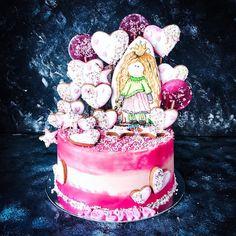 Dubai Cakes & Sweets (@sweet_sunny_stories) • Instagram photos and videos Snow Globes, Dubai, Cake Decorating, Birthday Cake, Sweets, Cakes, Photo And Video, Decoration, Videos